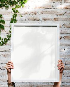 Red Picture Frames, Hanging Picture Frames, Framed Wallpaper, Graphic Wallpaper, Foto Online, Instagram Frame, Instagram Highlight Icons, Mockup, Identity Branding