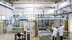 Auch kl. Unternehmen setzen auf China: Concentrator Optics aus Cölbe stellt Photovoltaik-Linsen her