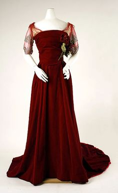 Edwardian - Evening dress House of Worth (French, 1858–1956) Date: 1898–1900 Culture: French Medium: silk Dimensions: Length at CB: 77 in. (195.6 cm) Length at CF: 52 3/4 in. (134 cm) Width at Bottom: 189 in. (480.1 cm) Credit Line: Gift of Mrs. Henry H. Pease, 1940