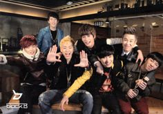 Block B Zico, Jaehyo,  Park, Ukwon, B bomb, P.O, Taeil Park why you no come up to front with everyone else??