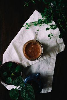 Zo kom je de dag wel door: de lekkerste vegan chocolade smoothie