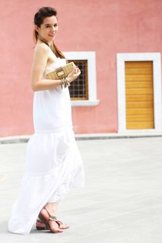 long white dress and straw bag. Fashion blogger style by Irene Colzi (Irene's Closet)