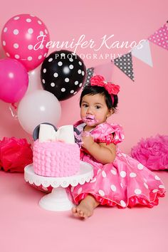 Minnie Mouse Cake Smash Session