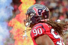 "Jadeveon Clowney takes jab at Bob McNair with Halloween costume = Houston Texans owner Bob McNair recently said that the NFL ""can't have the inmates running the prison,"" which may have lit the light bulb above Jadeveon Clowney's head when....."