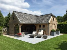 De Boomkamer bijgebouwen. Poolhouse, tuinkamer, terrasoverkapping, terras, paardenstal.
