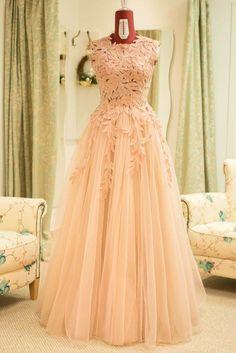 Irina Ross Atelier Desi Wear, Prom Dresses, Formal Dresses, Maternity, Gowns, How To Wear, Fashion, Atelier, Dresses