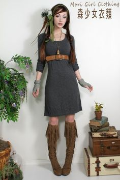 Knee-length gray knit dress