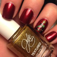 Christmas tree dotted nail