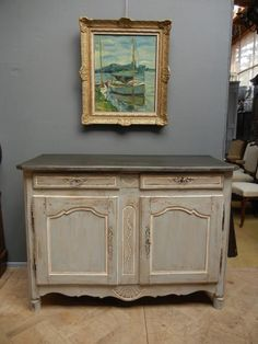 Buffet bas ancien peint avec tiroirs dont un secret Deco Furniture, Paint Furniture, Upcycled Furniture, Furniture Making, Furniture Makeover, Low Sideboard, Painted Sideboard, Credenza, Rustic Chic