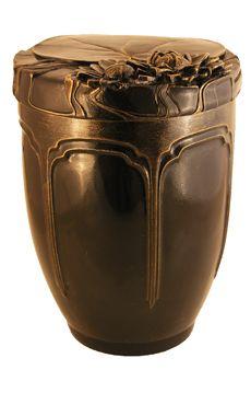 Keramikurne die anmutige Seerose braun. Urne für Feuerbestattung. Funeral urn lotus made out of ceramic.