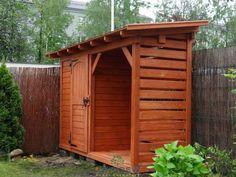 Mały domek z drewutnią Patrycja