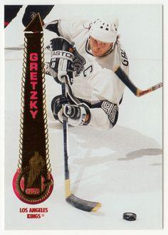 Wayne Gretzky # 200 - 1994-95 Pinnacle Hockey Ice Hockey Players, Wayne Gretzky, Hockey Cards, National Hockey League, Golf Bags, Nhl, Mint, Peppermint