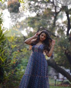 Long Dress Design, Photoshoot Pics, Celebrity Photographers, Blue Saree, Malayalam Actress, Indian Models, Beauty Pageant, Half Saree, South Indian Actress