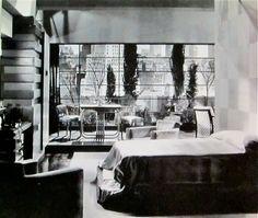 "American Art Deco/""The Easiest Way"" 1931 Supervisory Art Director: Cedric Gibbons Casa Art Deco, Art Deco Home, Vintage Interiors, Deco Interiors, Hollywood Glamour Photography, Robert Mallet Stevens, Film Poster Design, Art Deco Bedroom, Streamline Moderne"