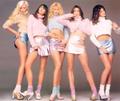 adja Auermann, Christy Turlington, Claudia Schiffer, Cindy Crawford & Stephanie Seymour photographed by Richard Avedon for Versace