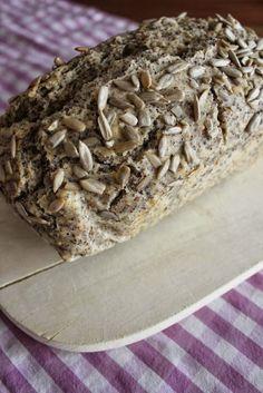 Fräulein Ordnung: Mohn-Sesam-Brot / + Gewinner