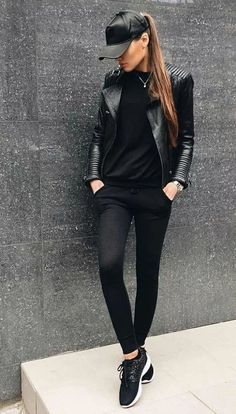 40 Brilliant Black Leather Jacket Ideas For Women Leather Jacket Outfits 2020 All Black Outfits For Women, Black And White Outfit, Black Women Fashion, Look Fashion, Clothes For Women, Womens Fashion, All Black Outfit Casual, Black Sneakers Outfit, Black Jacket Outfit