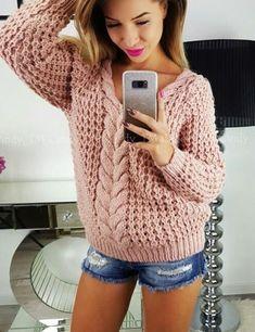 Women's Hand Knit V-Neck Sweater - Diy Crafts Hand Knitted Sweaters, Sweater Knitting Patterns, Hand Knitting, Women's Sweaters, Diy Dress, Knit Fashion, Sweaters For Women, Diy Crafts, Outfits