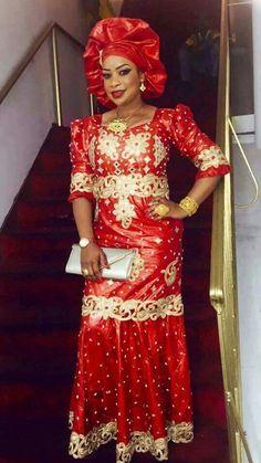 Stylish Aso-Ebi , Super Styles for 2019 - Reny styles Stylish Aso-Ebi , Super Styles for 2018 - Reny styles African Dresses For Women, African Print Dresses, African Attire, African Wear, African Women, African Prints, African Fashion Ankara, Ghanaian Fashion, African Print Fashion