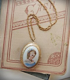 Right Beside Your Heart - A V2 Team Treasury Challenge by Sally on Etsy