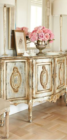 Adding That Perfect Gray Shabby Chic Furniture To Complete Your Interior Look from Shabby Chic Home interiors. French Furniture, Shabby Chic Furniture, Diy Furniture, Bedroom Furniture, Gold Leaf Furniture, Metallic Painted Furniture, Furniture Design, Mirrored Furniture, Furniture Vintage