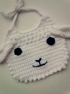 Gehaakt slabbetje schaapje - crochet bib - www.lottehaakt.nl