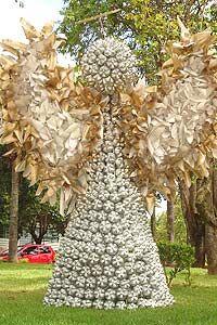 Anjo gigante enfeita uma das praças da cidade de Itupeva  Foto: Luiz Carlos Izzo/vc repórter