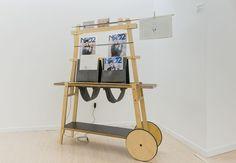 Pieza de la exposición organizada por Neo2 en el Instituto Cervantes de Milán: Madtastic (Carrito Carrello. Diseño de CiszakDalmas para La Clinica Design)