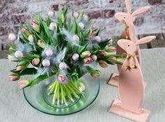Większość z Nas uwielbia dostawać kwiaty, dlaczego w takim razie idąc na świąteczne śniadanie nie zabrać ze sobą pięknej kompozycji, którą wręczymy Pani domu? W końcu zajączek wielkanocny także obdarowuje prezentami Gwarantuję, że każda kobieta ucieszy się z takiego pięknego, wiosennego bukietu z tulipanów! Taki piękny bukiet z 30 tulipanów nie będzie nas drogo kosztował, […]