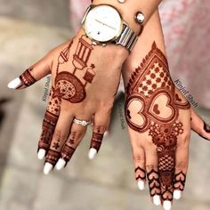 Get your hands adorned with the best bridal mehndi designs 2019 for your D-Day! Explore mehendi design inspirations that are going to trend this year. Finger Henna Designs, Full Hand Mehndi Designs, Mehndi Designs For Beginners, Mehndi Design Pictures, Mehndi Designs For Girls, Mehndi Designs For Fingers, Dulhan Mehndi Designs, Mehndi Designs For Hands, Henna Tattoo Designs