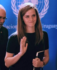 Emma Watson - The face of feminism. Ever since that powerful UN speech, Emma Watson has become the 'face of feminism', who advocates for gender equality through the campaign 'He for She'. This young w(Beauty People Celebrities) Emma Watson Model, Emma Watson Speech, Emma Watson Young, Emma Watson 2014, Emma Watson Feminism, Emma Watson Cute, Enma Watson, Fangirl, The Face