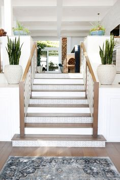 Tiled Staircase, Entry Stairs, Staircase Design, Staircases, Stair Design, Stairs Edge, Staircase Ideas, Tile Steps, Concrete Steps