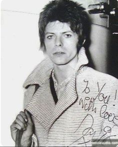 vezzipuss.tumblr.com — David Bowie, Circa 72 ➰