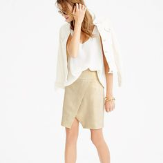 Hot weather calls for easy pieces that do it all, like this crossover mini skirt. It's made from lightweight linen with a special metallic foil finish, a combo that's as comfortable as it is fancy and makes dressing for work and the weekend as simple as a summer's day.
