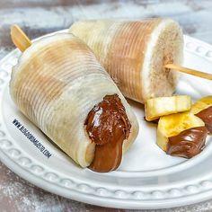 Paleta mexicana banana and nutella Nutella, Banana Com Chocolate, Chocolate Recipes, Tasty, Yummy Food, Special Recipes, Frozen Desserts, Sweets Recipes, Sweet And Salty