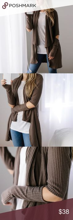 """Cozy Waffle Thermal Cardi ◽️Cozy and easy waffle thermal cardigan in a Fall Mocha ☁️ This brushed fabric is extra soft. Thumb holes, side pockets, and trendy elbow cutouts. Rayon poly spandex, easy stretch. New. Also for sale in black - you will want both colors! Chest across: S 19"""", M 20"""", L 21"""" Wearing with my Favorite T Shirt and Rosé Jeans also for sale.  ▫️Price is firm ▫️10% off bundles of 3+ applies automatically at checkout Photos are my own 11thstreet Tops"""