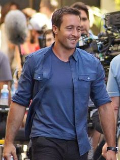 Alex O'Loughlin (Steve McGarrett) filming H50