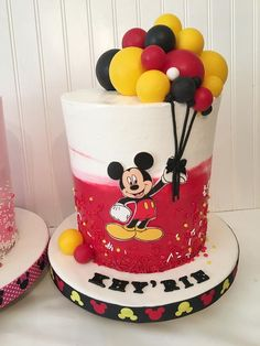 Gateau Theme Mickey, Mickey Mouse Theme Party, Baby First Birthday Cake, Mickey Mouse Balloons, Minnie Mouse Birthday Cakes, Mickey Mouse Clubhouse Birthday, Mickey Mouse Cake Topper, Mickey Mouse Cupcakes, Bolo Mickey E Minnie