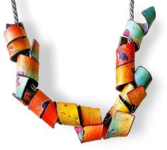 It looks like Italy's Cecilia Leonini treated both sides of the polymer and darkened the edges. Would you guess that she used pastels for the base colors? Polymer Clay Daily – Polymer art curated by Cynthia Tinapple Polymer Clay Necklace, Polymer Clay Beads, Polymer Clay Projects, Polymer Clay Creations, Collier Simple, Clay Tutorials, Metal Clay, Schmuck Design, Jewelry Art