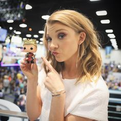 Natalie Dormer is welcomed to #SDCC by Joffrey. #comiccon #GoTSDCC