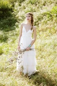 i love lace, flowers, outdoors, braids and this <3