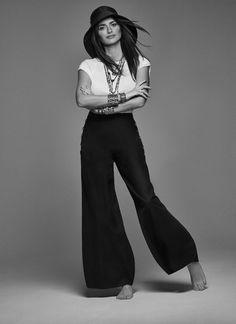 Penélope Cruz for Madame Figaro January 2020 by Hunter & Gatti Penelope Cruz, Fashion Poses, Fashion Shoot, Actor Studio, Fashion Editor, Jennifer Lopez, Cool Style, Fashion Photography, Photoshoot