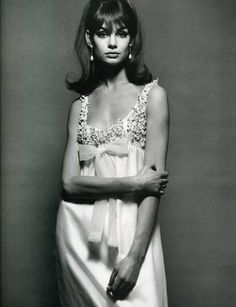 The gorgeous Jean Shrimpton wearing a feminine empire-line dress by Nina Ricci. From Vogue Magazine, December Image source. For more from our vintage Style Année 60, Looks Style, Looks Cool, Style Icons, Classic Style, Classic Beauty, Style Blog, Jean Shrimpton, Trend Fashion