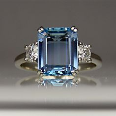 A beautiful aquamarine paired with diamonds - simple but elegant.