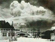 Nagasaki, 20 minútos después de haber explotado la bomba atómica  en 1.945