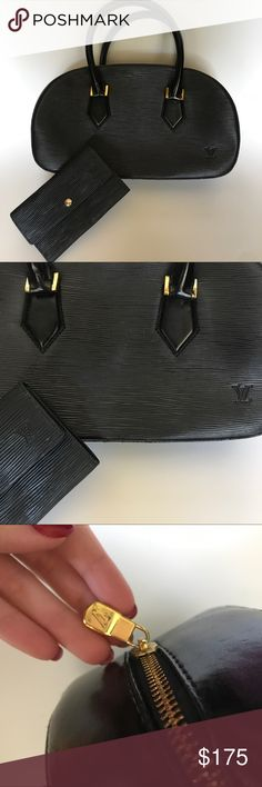 Louis Vuitton Black Epi Leather Purse w Wallet Estate find vintage Louis Vuitton Epi Leather Handbag with matching wallet. Handle has some peeling. Please message me for more pictures! Louis Vuitton Bags Shoulder Bags
