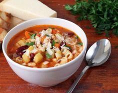 Σούπα μινεστρόνε (minestrone)... σημαίνει η 'μεγάλη σούπα', και είναι μια πεντανόστιμη, χορταστική σούπα λαχανικών ..... που μας έρχεται από τη γειτονική μ