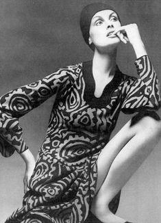Jean Shrimpton, photo by David Bailey, Vogue, 1971 70s Fashion, Fashion Models, Fashion Beauty, Vintage Fashion, Fashion Shoot, Celebrity Photography, Fashion Photography, Celebrity Jeans, Look Jean