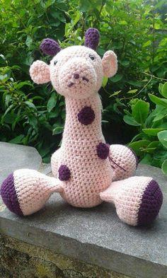 Petite girafe toute rose... ...