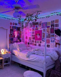 Neon Bedroom, Room Design Bedroom, Room Ideas Bedroom, Bedroom Inspo, Bedroom Decor For Teen Girls, Teen Room Decor, Diy Room Decor, Home Decor, Room Ideias